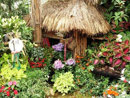 World Homes and Gardens